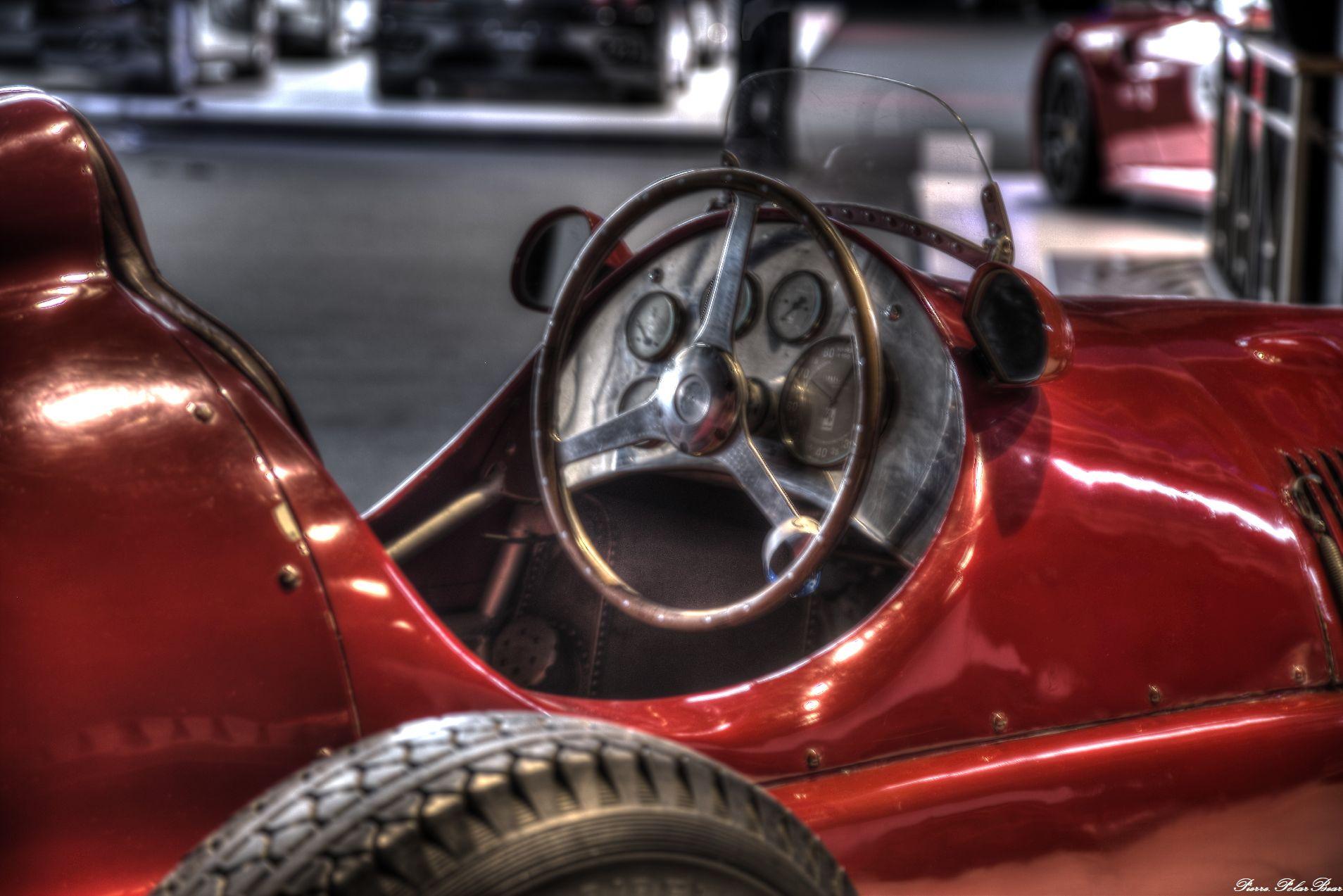 Autoworld-2017-Ferrari-01