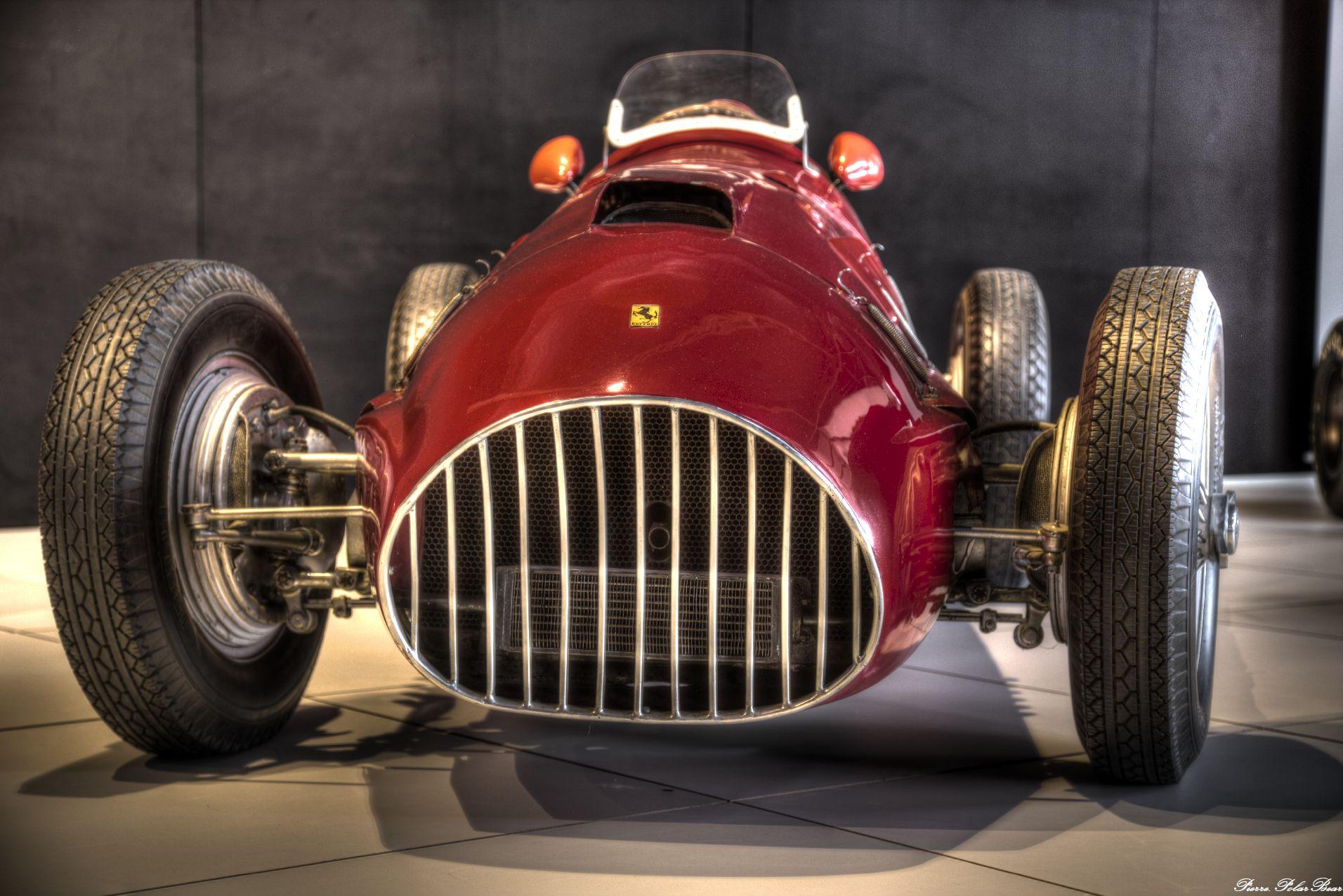 Autoworld-2017-Ferrari-02