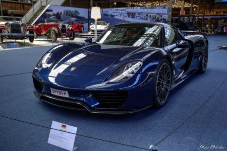 2013-Porsche-918-eq01