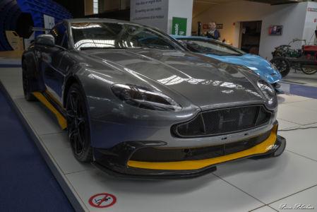 2016-Aston Martin Vantage GT8-eq-01